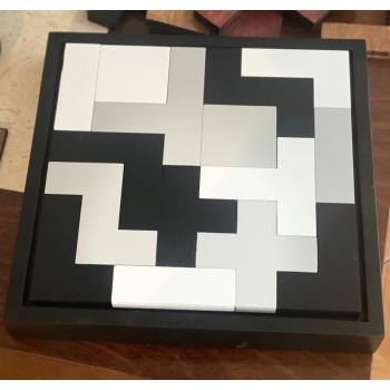 Tetris de madera color negro