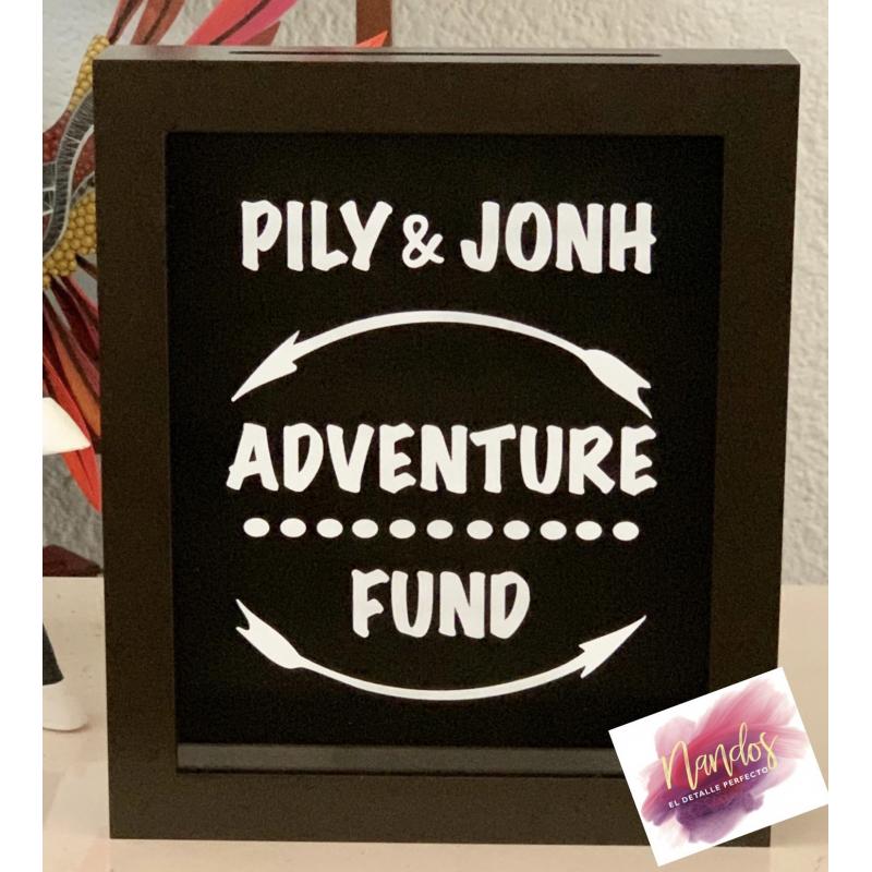 Alcancía Adventure fund con nombre